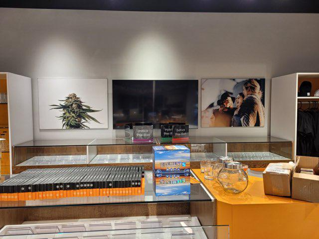 Former Waterloo clothing retailer switches to cannabis amid pandemic, opens store near Conestoga Mall